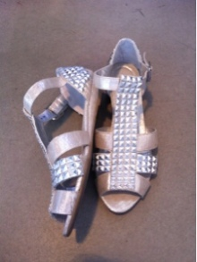 ~ Found these shoes that I never wore.. Welcome to my closet! lol ~