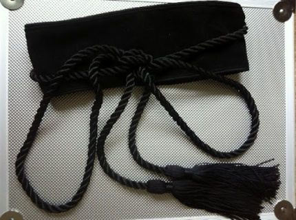~ Great find at H&M. This velvet belt with tassels so pretty ~