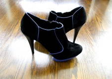 ~ Cobalt Blue & Black booties that will compliment my outfit this weekend ~